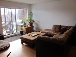 Condo Chomedey Libre 1er avril / Available April 1st