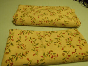 Xmas Tablecloths Peterborough Peterborough Area image 1