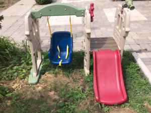 Cllimb and slide play structure