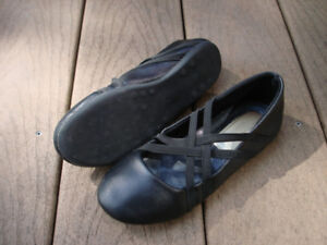 Girl's Black Leather Shoes