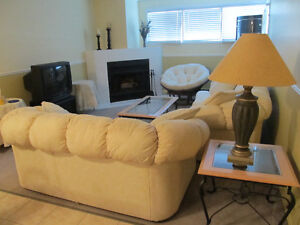 Two Bedroom Condo Apartment To Share