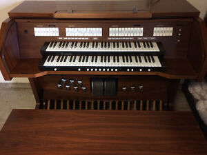 Rodgers 535 Organ (Sold in 2 days. We have others.) London Ontario image 1