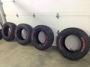 Set of 4 General Grabber tires