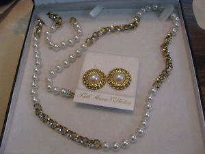 5th Avenue Saks New York Collection Pearl Necklace & Earrings Regina Regina Area image 6