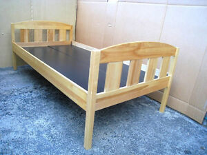 2 Identical Solid Wood Single Bed+free boards-support mattress$$