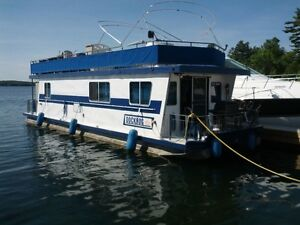Houseboat Totally renovated - Ready to enjoy