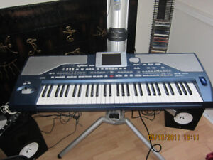 Korg Pa 800 barely used. Good Condition