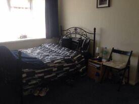 CANTERBURY- BIG MASTER BEDROOM TO LET