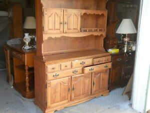 Maple Cabinet / Solid wood