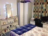 DOUBLE ROOM in CITY CENTRE, PROFESSIONAL HOUSE SHARE