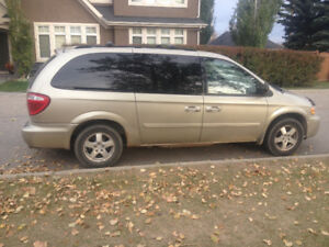 REDUCED 2007 Dodge Grand Caravan Minivan Van Stow n go $4200 obo