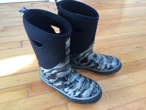 Cougar Storm boys winter boots like Bogs size 3 boys