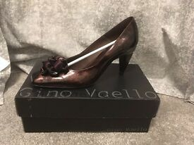 *NEW Gino Vaello Ladies Shoes