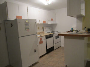 Bright 3 bedroom house with den $945 POU available Feb 1st