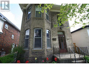 Available NOW  SPACIOUS ONE BEDROOM, 133 WILLIAM St.