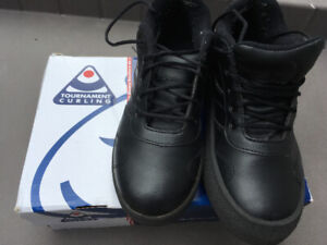 Curling shoes with gripper - size 9 ladies