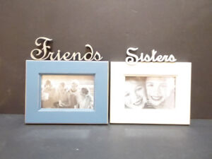 """""""FRIENDS"""" OR """"SISTERS"""" 4x6"""" PHOTO FRAME - EXCEL. COND."""