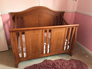 Beautiful solid oak crib (from the Furniture Gallery)
