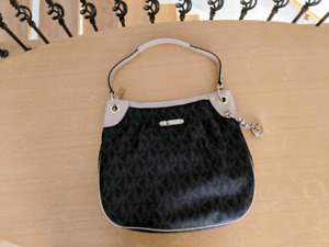 Authentic Michael Kors purse handbag sacoche sac à main