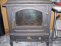 REDUCED  FOUNDRIES DU LION HARMONY 1 OIL STOVE