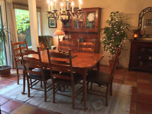 VILAS SOLID MAPLE DINING ROOM TABLE And CHAIRS