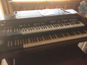 A Beautiful Hammond A100 Organ in Parlor Condition & Leslie 147