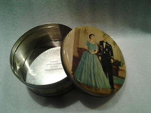 Queen Elisabeth & Prince Philip 1950 Biscuit/Cookie Tin