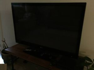 """42"""" LG HDTV and PS4"""