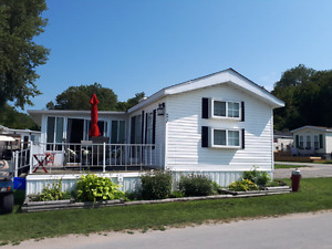 Large out door space with 3 bedrooms Sherkston shores