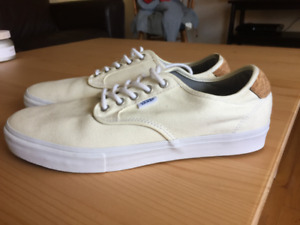 Men's Vans Skate Shoes - Size 11