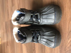 Warm boots for boy Size 7