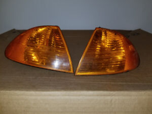 BMW E46 3 Series 99-01 Sedan or Wagon OEM Amber Corner Lights