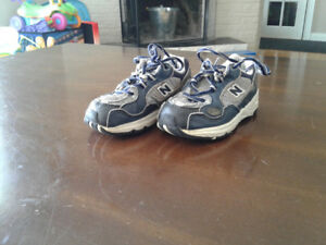 Little boys new balance sneakers size 7