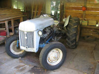 1944 FORD TRACTOR  FOR SALE