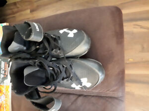 Cleats - Football. Gently used. Size 9