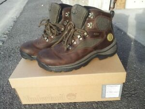 New Timberland Leather Waterproof Hiking Style Boots - Size 8