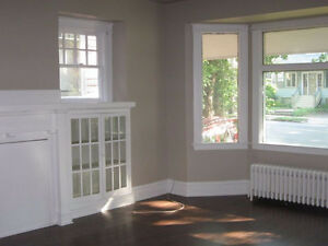 SPACIOUS 3 BEDROOM APT FOR RENT (OXFORD & JUBILEE) Sept 1, 2017