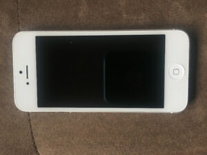 iPhone 5 32 GB excellent condition
