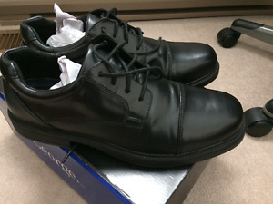 Brand new Men's Dress shoes - worn once