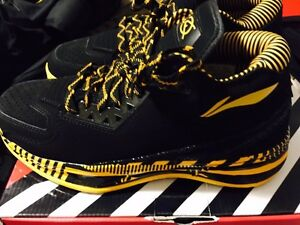 "Li Ning way of wade 2 ""caution"" size 10 Kitchener / Waterloo Kitchener Area image 3"