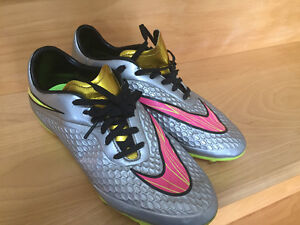 Women's Nike soccer cleats