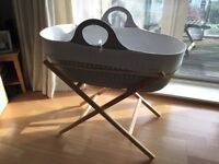 Moba moses basket with stand