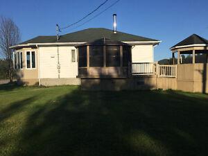 Maison à vendre à riviere-eternite avec très grand terrain Saguenay Saguenay-Lac-Saint-Jean image 2