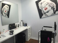 2 BUREAUX A LOUER COIFFURE AFRICAINE/MAQUILLEUSE/ONGLES  360$