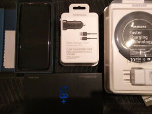 ** BRAND NEW SAMSUNG GALAXY S8 PLUS WITH CHARGING DOCK & MORE**