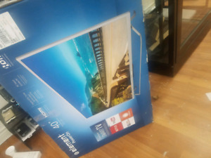 Brand new 40 inch Element smart TV