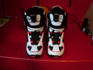 Sims snowboard boots Men's size 6