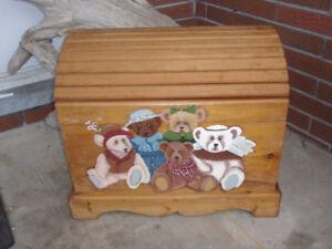 ~ FIRST $100 TAKES IT ~ HAND PAINTED WOOD BEAR TOY CHEST ~