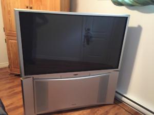 Téléviseur à projection HD de très haute qualité