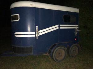 Remarque a chevaux trailer pour cheval à vendre 2 place